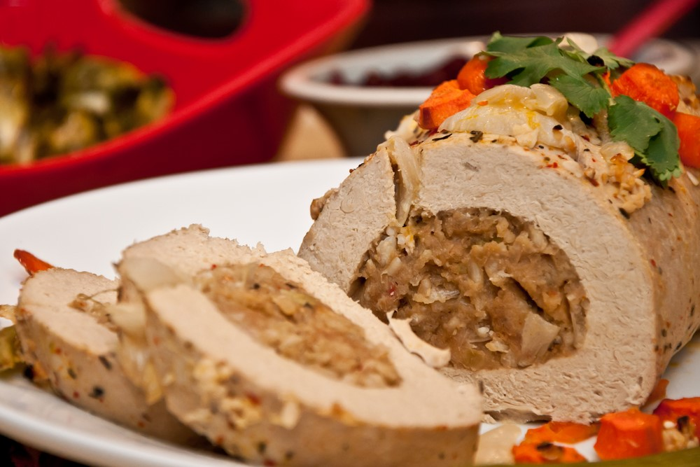 A plant-based roast is an alternative to turkey.